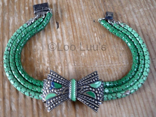 1930s green enamel snake chain bow bracelet at Loo Luus