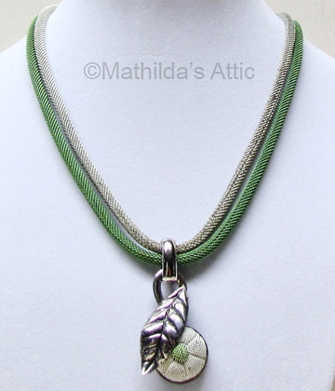 02a vintage 1930s deco green and white enamel mesh flower leaf necklace at Mathildas Attic on Etsy