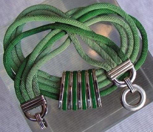 quadruple green mesh chain necklace detail