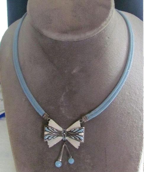 vintage 1930s deco blue and white enamel bow necklace