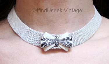vintage 1930s white and black enamel mesh choker
