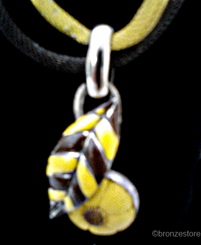 vintage 1930s brown and yellow enamel flower necklace detail