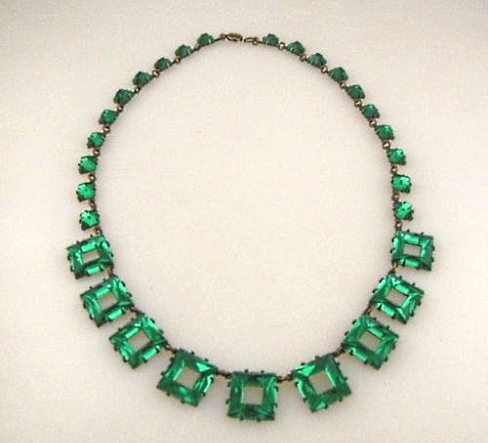 art deco green geometric Vauxhall glass necklace