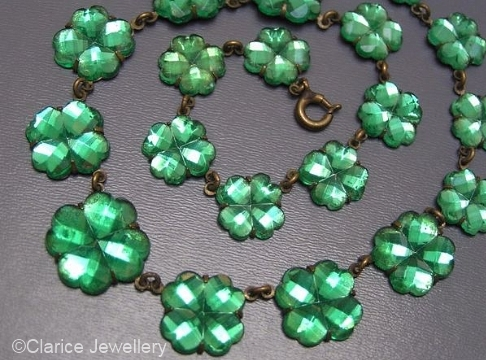 green clover motif Vauxhall glass necklace