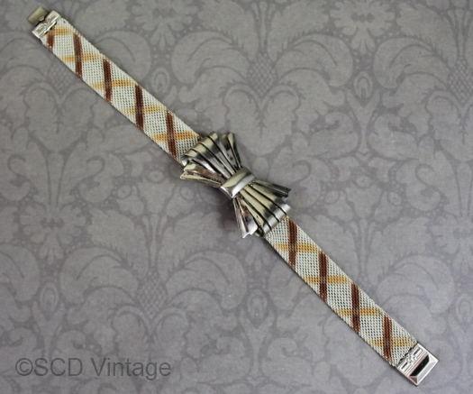 Art Deco patterned mesh bow bracelet at SCD VINTAGE on Etsy