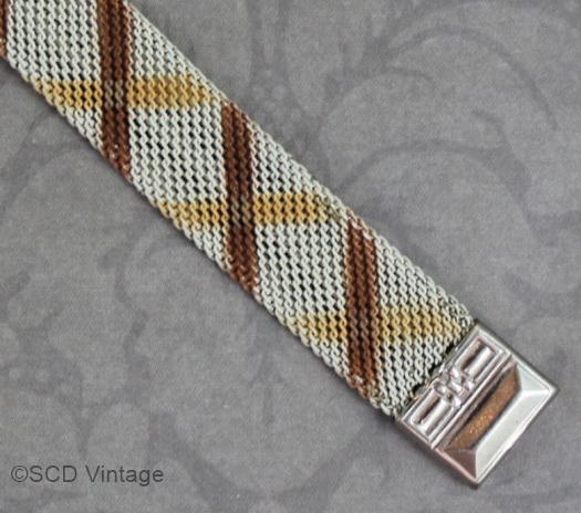 patterned mesh bracelet detail