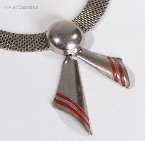 1930s deco mesh necklace detail