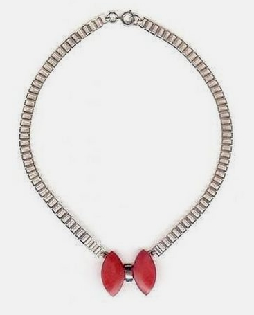 red bakelite bow 1930s necklace missing its tails
