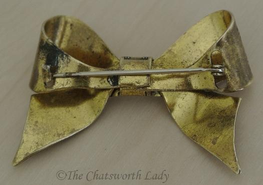 1930s brass bow brooch v2