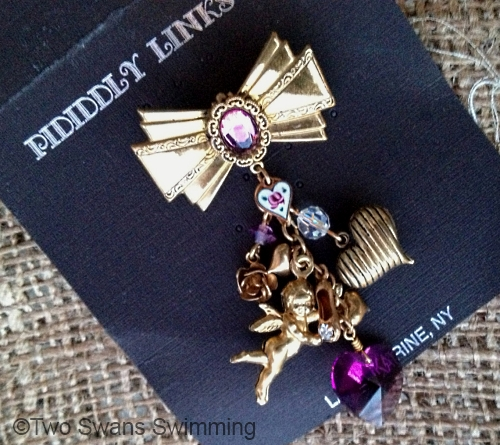 vintage 1970s Piddidly Links bow brooch at Two Swans Swimming