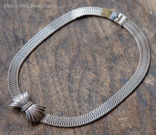 silvertone tailored bow choker