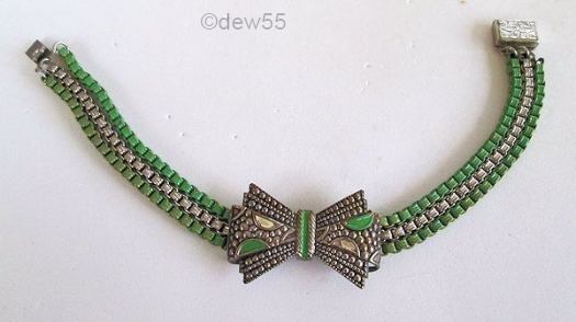 1930s green enamel box chain bow bracelet
