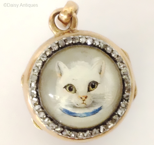 Cat pendant, set with diamonds