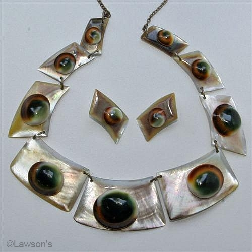 operculum and MOP  necklace earring set