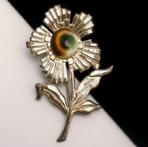 operculum flower brooch