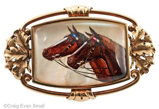 Essex crystal oakleaf horse pair brooch front