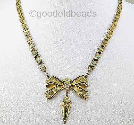 copycat bow necklace 1