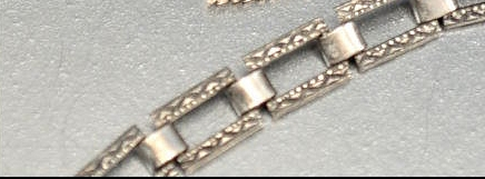 similar to MJM chain but with plain links