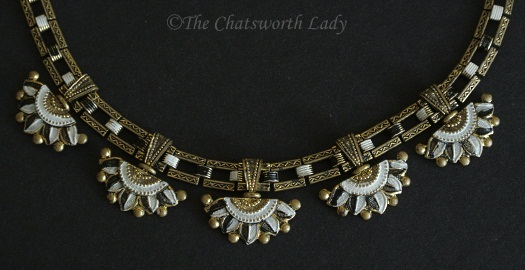black-and-white-lotus-necklace-detail