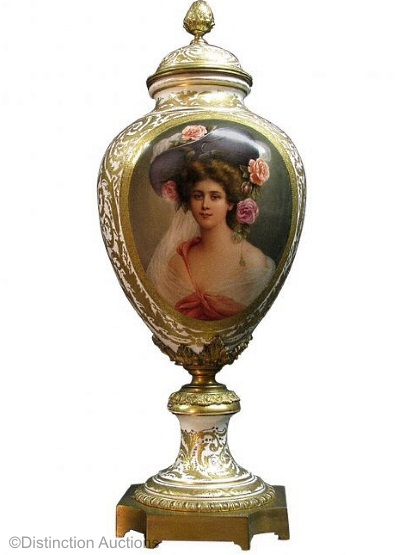 Royal Vienna portrait vase Woman with large hat and roses