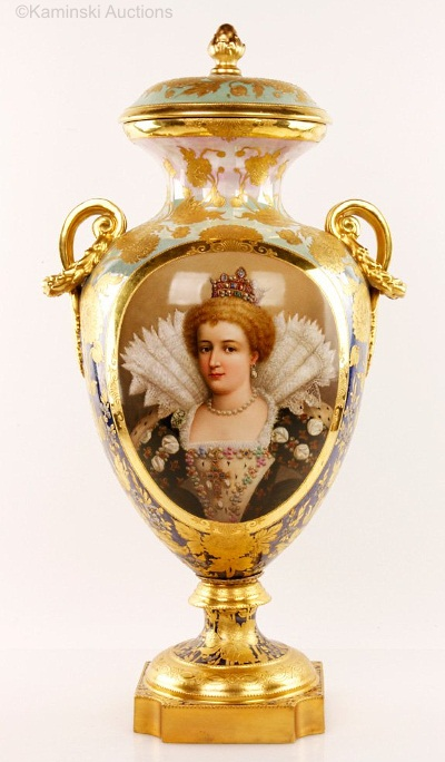 Wagner portrait vase Marie de Medici
