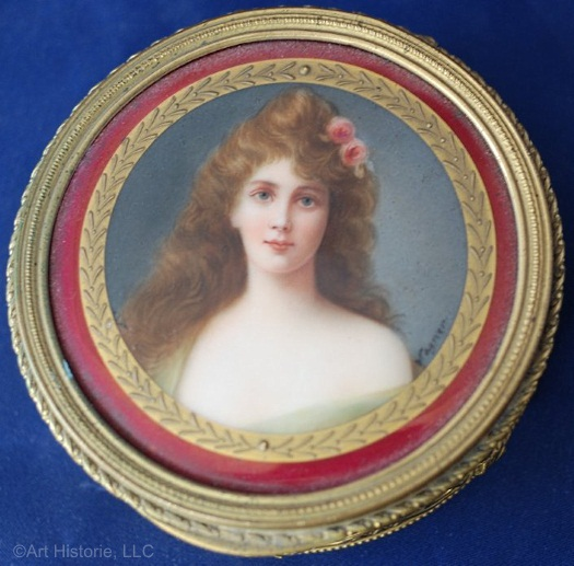 trinket box with Wagner portrait lid