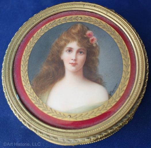 trinket box with Wagner portrait lid