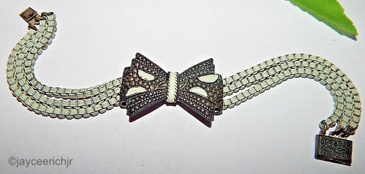 white enamel box chain bracelet with bow 1930s art deco
